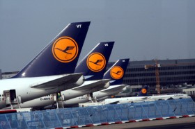 Lufthansa Airlines pilots call off strike 