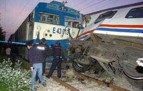 A big train crash in northwest Turkey