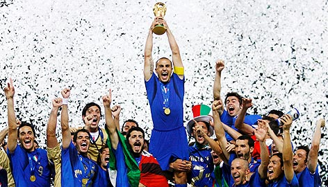 Italy celebrate after winning the World Cup 2006 against France in the Finals, a success which the Italian side want to repeat.
