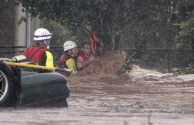 Australian floods: 9 death more than 70 missing