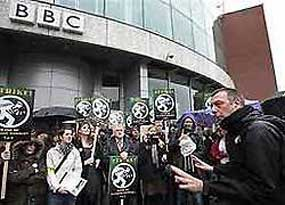 BBC Job Cuts Conduce Strikes