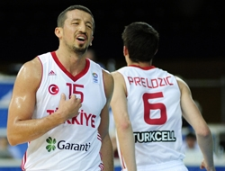 Eurobasket 2011 : Turkey advance, thankful to Britain