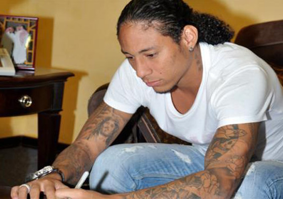 Al Nasr Club Saudi Arabia http://therearenosunglasses.wordpress.com/2011/10/13/colombian-footballer-detained-in-saudi-arabia-over-%e2%80%98sleeveless-shirt%e2%80%99-and-jesus-tattoos/