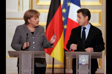 Sarkozy and Merkel step up the pressure on Greece rescue package