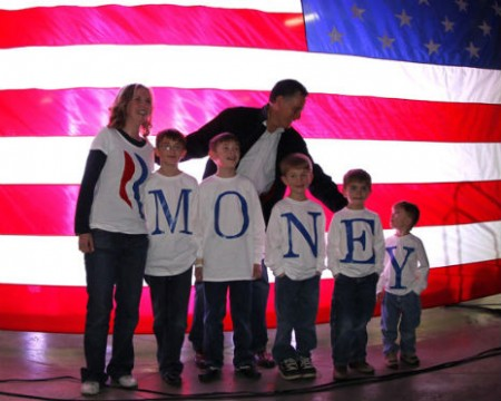 Mitt Romney : Presidential Candidate with family ' values '