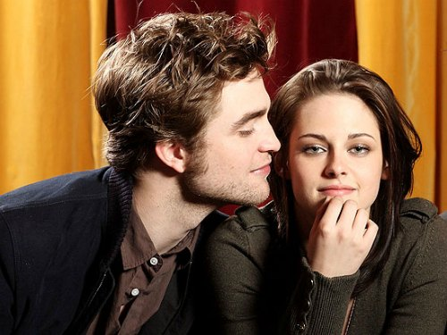 Twilight stars Robert Pattison & Kristen Stewart get married in their real life