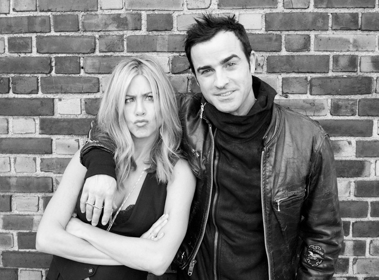 Jennifer Aniston engaged to her boyfriend Justin Theroux
