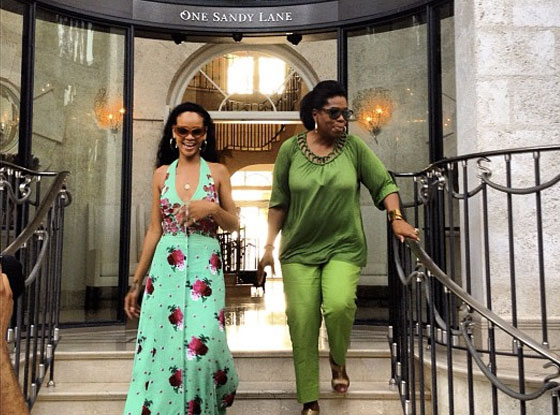 Oprah Winfrey &amp; Rihanna hang out together in Barbados