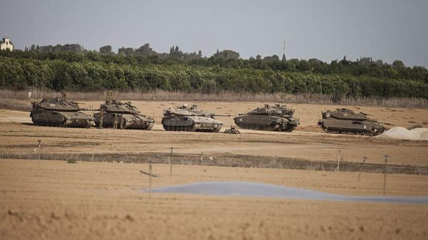 http://www.nationalturk.com/en/wp-content/uploads/2012/11/israeli-tanks-near-gaza-strip.jpg