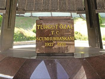 Former Turkish president Turgut Ozal had been killed by a highly venomous poison in 1993, Turkish dailies claim