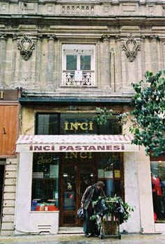 İnci Patisserie, one of the symbols of Istiklal Street and Beyoglu district in Istanbul falls cvictim to ambition of land title race..
