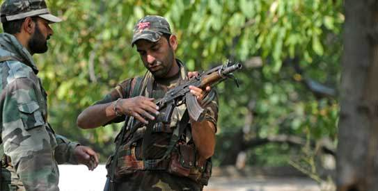 Policemen in action during gunfight in Kashmir: File Pic
