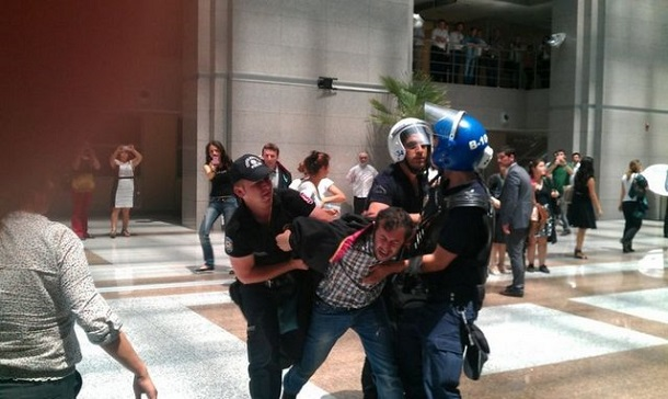 Turkish-Police-Arrested-Protester-Lawyers