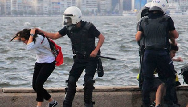 People arrested in Turkey just retweet this picture