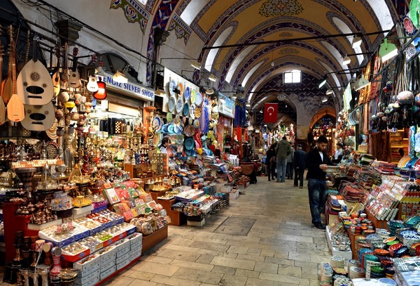 Interest in Danger: Grand Bazaar in Istanbul threatens to ...