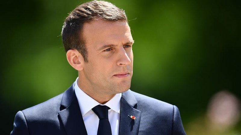 Pollsters project Macron alliance winning big majority