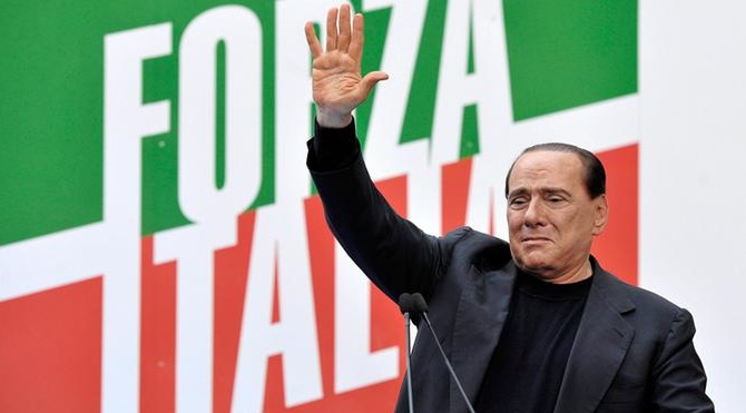 Renzi lashes out, seeks to stem Democrat support for 5-Stars