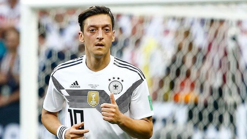 Reactions pour in after Ozil quits German national team