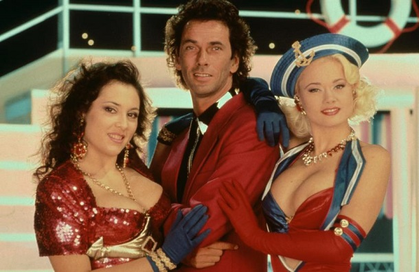 90s TV Show Tutti Frutti: Your neighbor naked on TV