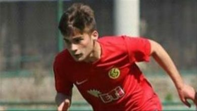 Photo of Turkish football player dies in car accident