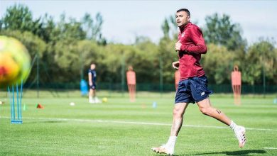 Photo of Lille sign Turkish forward Burak Yilmaz