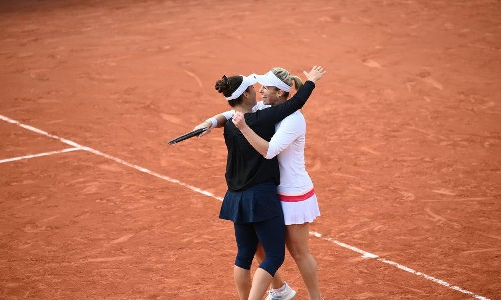 Chilean tennis player Guarachi wins doubles tournament in Australia thumbnail