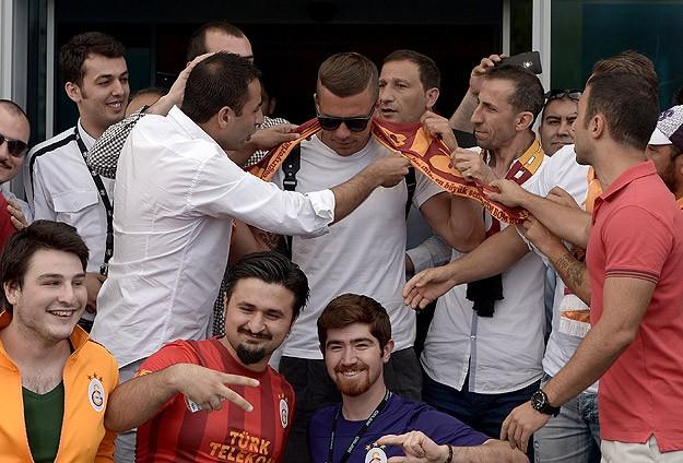 Photo of Lucas Podolski İstanbul'da