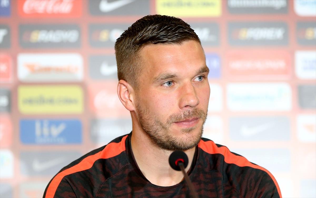 Photo of Podolski'den şampiyonluk açıklaması