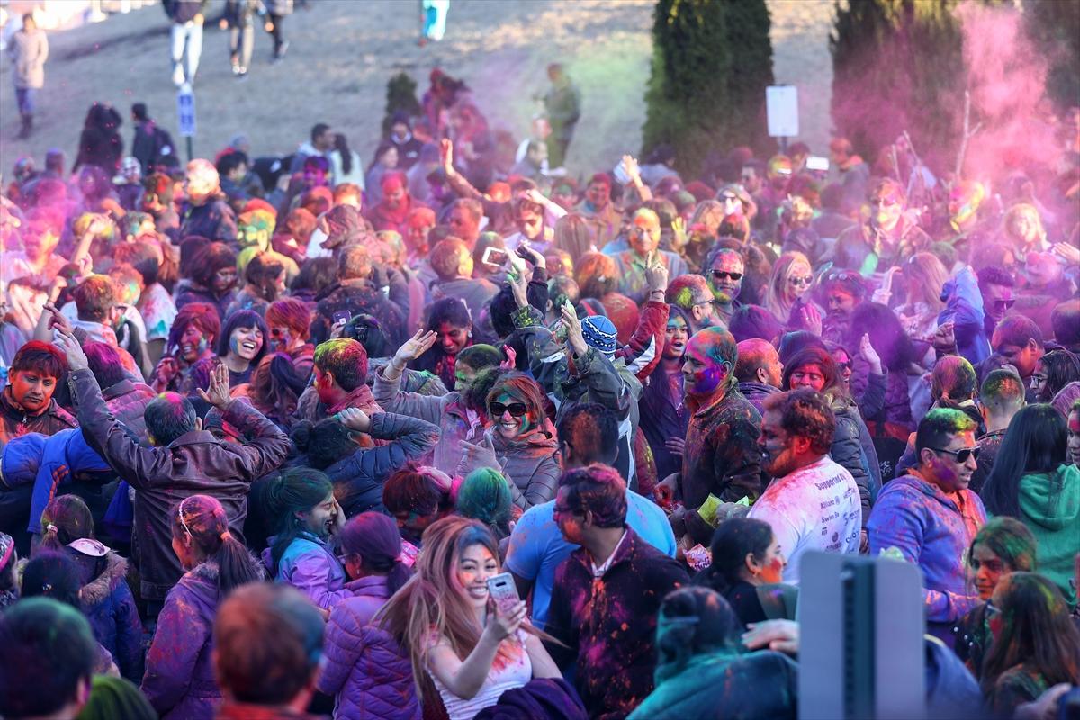 Hindistan Renkler Festivali Holi ABD'de Kutlandı