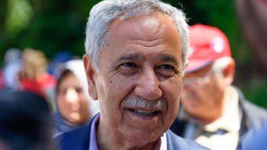 """Photo of Bülent Arınç maaşını eleştirenlere """"edepsiz"""" dedi"""