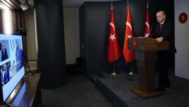 Photo of Erdoğan futbolcularla görüştü