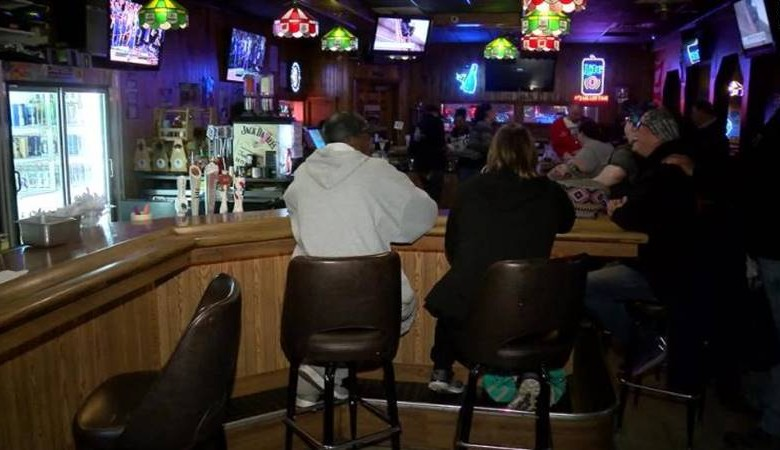 ABD'de Barlar Yeniden Açılıyor