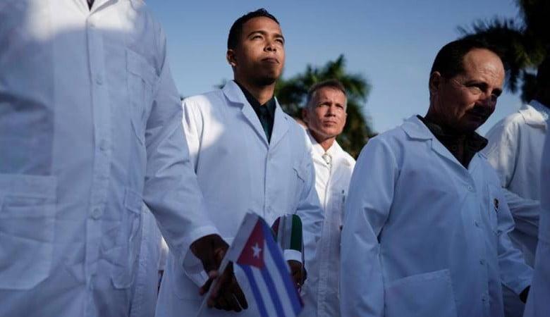 Kübalı Doktorlar Meksika'da