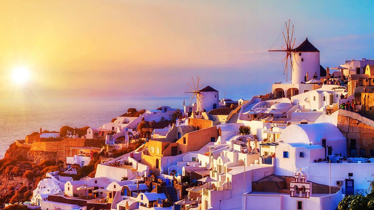 Santorini Gezilecek Yerler: Oia'da Gün Batımı
