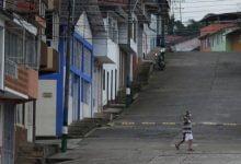 Photo of Kolombiya'da sokağa çıkma yasağı başladı